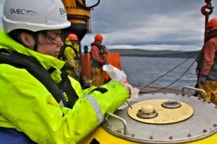 EMEC Operations Technician at Waverider deployment (Credit Colin Keldie)
