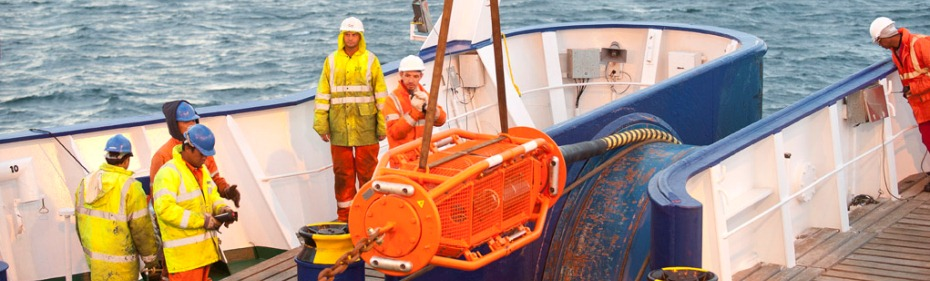 Cable laying at the EMEC tidal test site (Image: Mike Brookes-Roper)