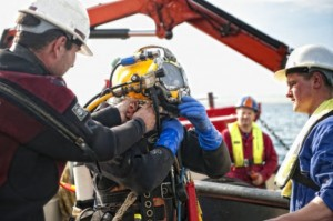 Diver works at the EMEC test site (Image Mike Brookes-Roper)