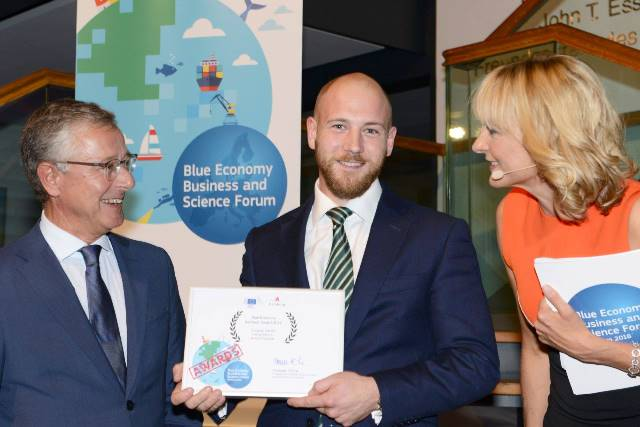 Oliver Wragg accepting the Blue Economy Business Award 2016 for EMEC, Hamburg (Credit DG MARE)