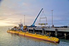 Scotrenewables SR2000 and SME Installation (Credit Colin Keldie, courtesy of EMEC)