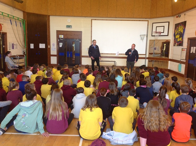 ETV Manager, Dave Wakefield and Hydrogen Development Manager, Jon Clipsham speaking with St. Andrew's pupils. (Credit St. Andrew's School)
