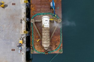 Washing the Microsoft data centre following retrieval from EMEC test site in Orkney (Credit Microsoft)