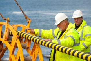 Cable laying (Credit Mike Brookes Roper, courtesy of EMEC)