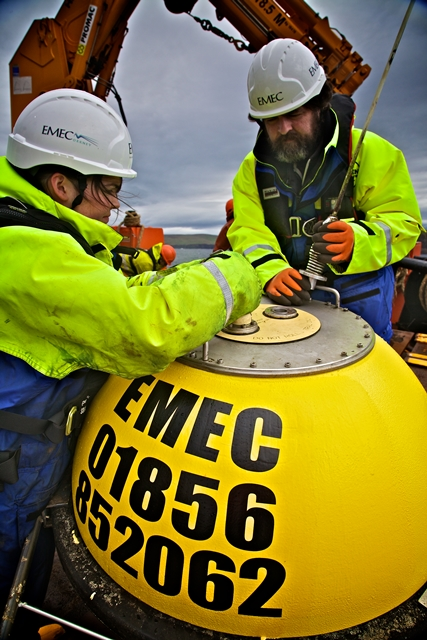 EMEC operations preparing waverider buoy for deployment (Credit Coilin Keldie)