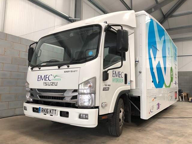 HyFlyer H2 refuelling truck (credit Fuel Cell Systems Ltd) 640