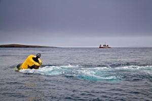 Mooring in tidal flow at EMEC Fall of Warness tidal test site (Copyright Colin Keldie)