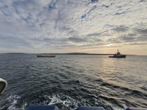 Orkney Harbours tug towing ATIR platform to EMEC test site (Credit Magallanes Renovables)